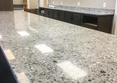 Custom natural stone granite countertop by Gordon Creek Granite of Hicksville, Ohio.